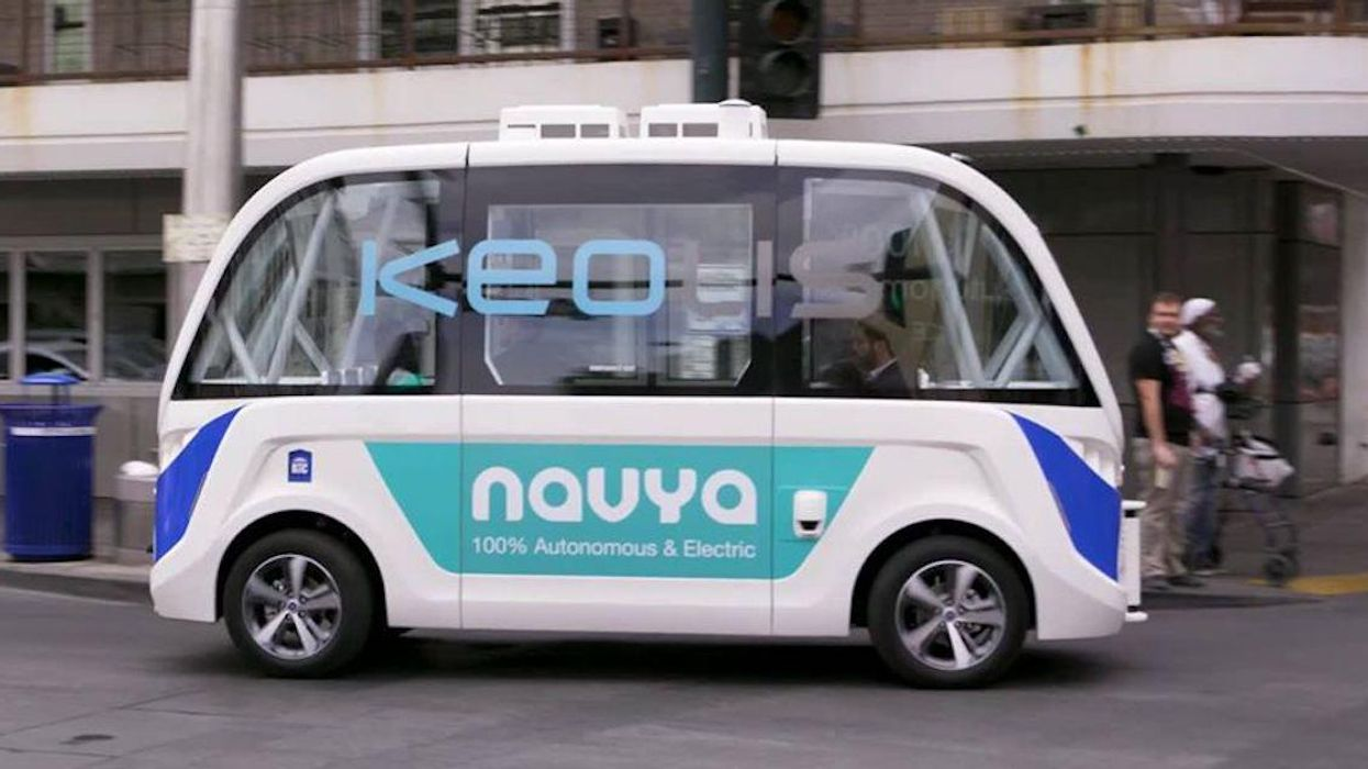 Montreal's Plaza St-Hubert Is Getting A Free Self-Driving Bus & You Can Ride It This Fall