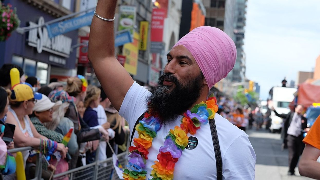 Jagmeet Singh Poses For Photo Without Turban And His Hair Is Truly Majestic