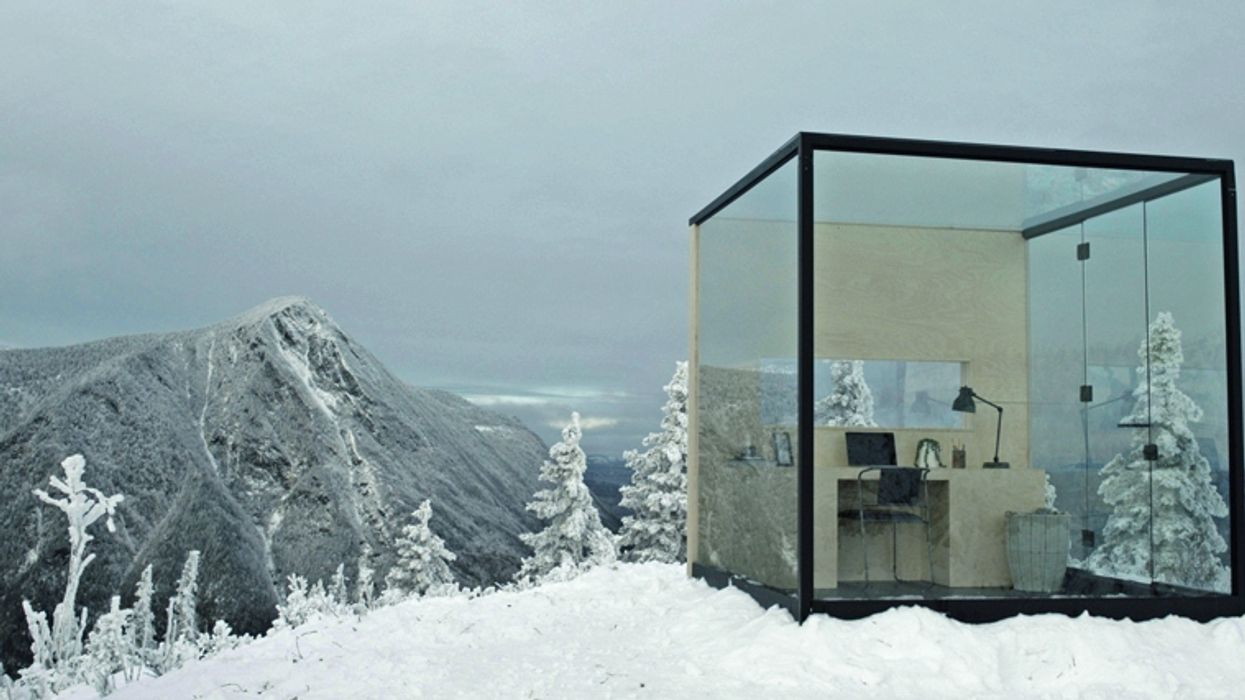 Quebecers Have The Chance To Spend A Day Working In This Magical Glass Office (VIDEO)