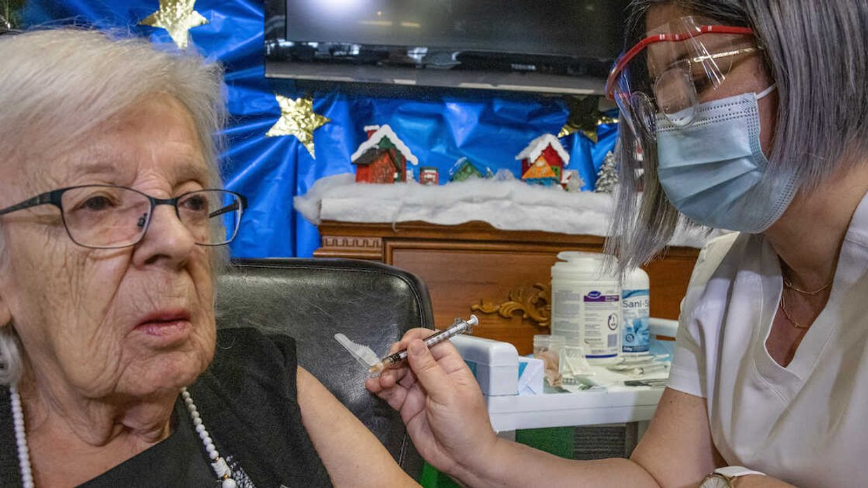 The First Quebecer To Get The Vaccine Reportedly Got COVID-19 In Recent Weeks