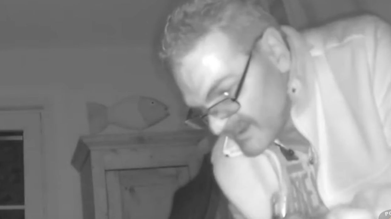 Longueuil Police Are Looking For This Creepy Dude Caught On Camera Robbing A House (Video)