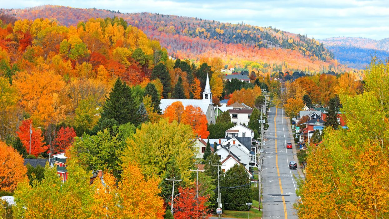 17 Stunning Quebec Road Trips To Escape Montreal & Get Lost In The Fall Foliage
