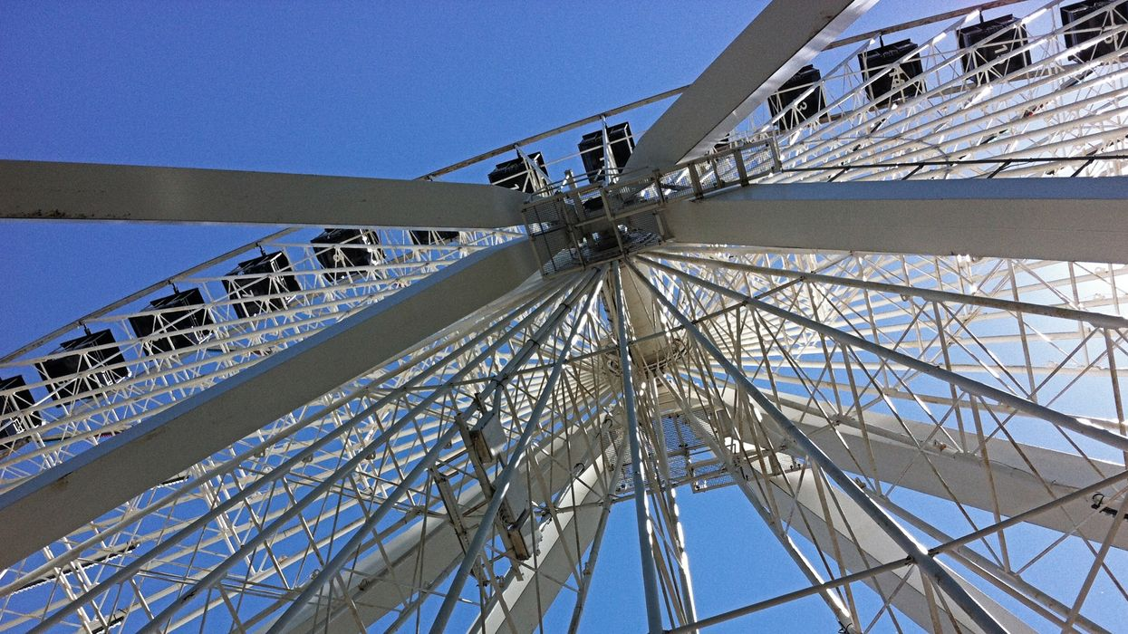 Ferris Wheel Car Flips Over With Film Crew Inside At Montreal's La Ronde