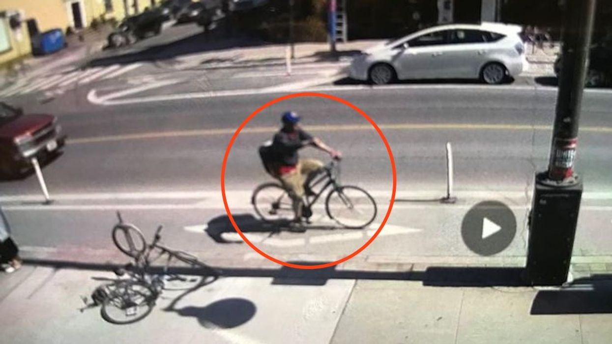 """Toronto Police On The Hunt For A Cyclist That Threw A """"Corrosive Substance"""" At A Baby Stroller With A Baby Inside"""