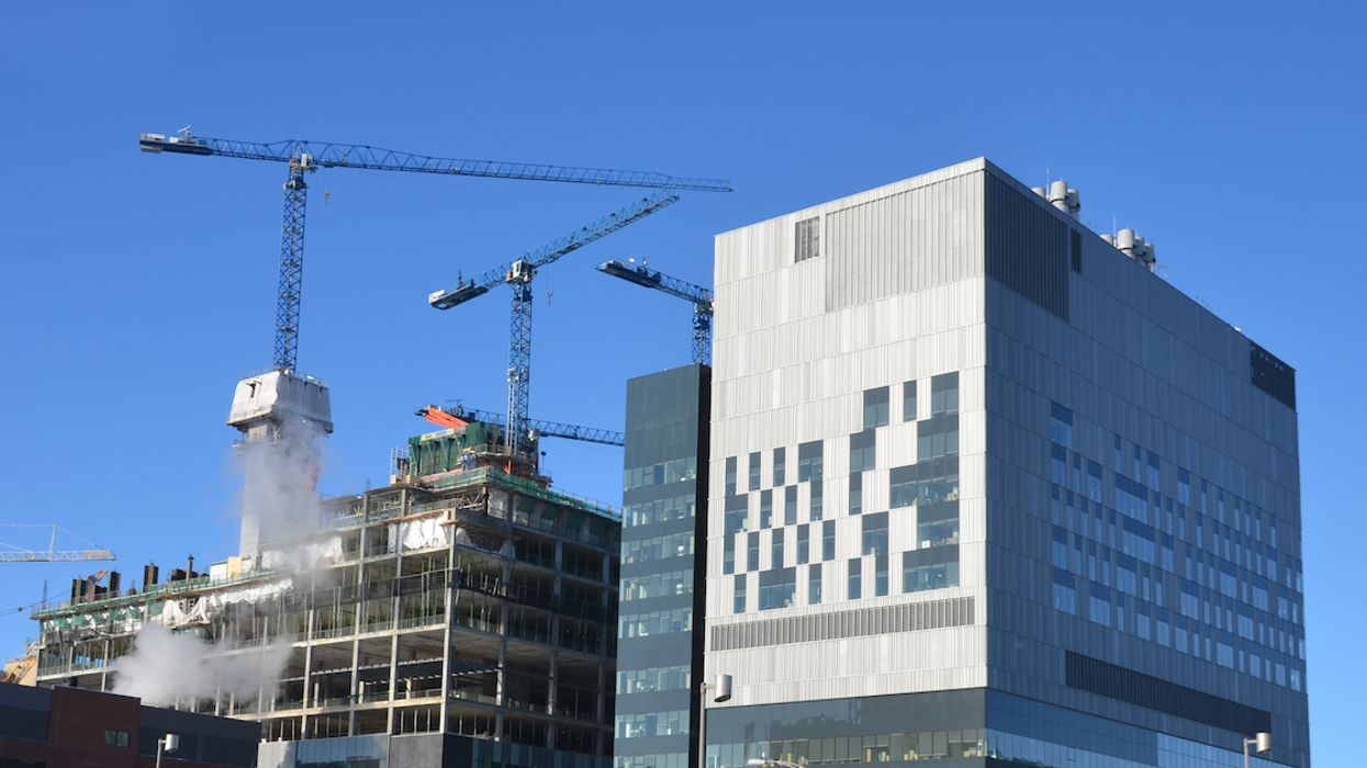 A 12-Storey Crane Just Crashed Into The CHUM Hospital In Downtown Montreal (Photo)