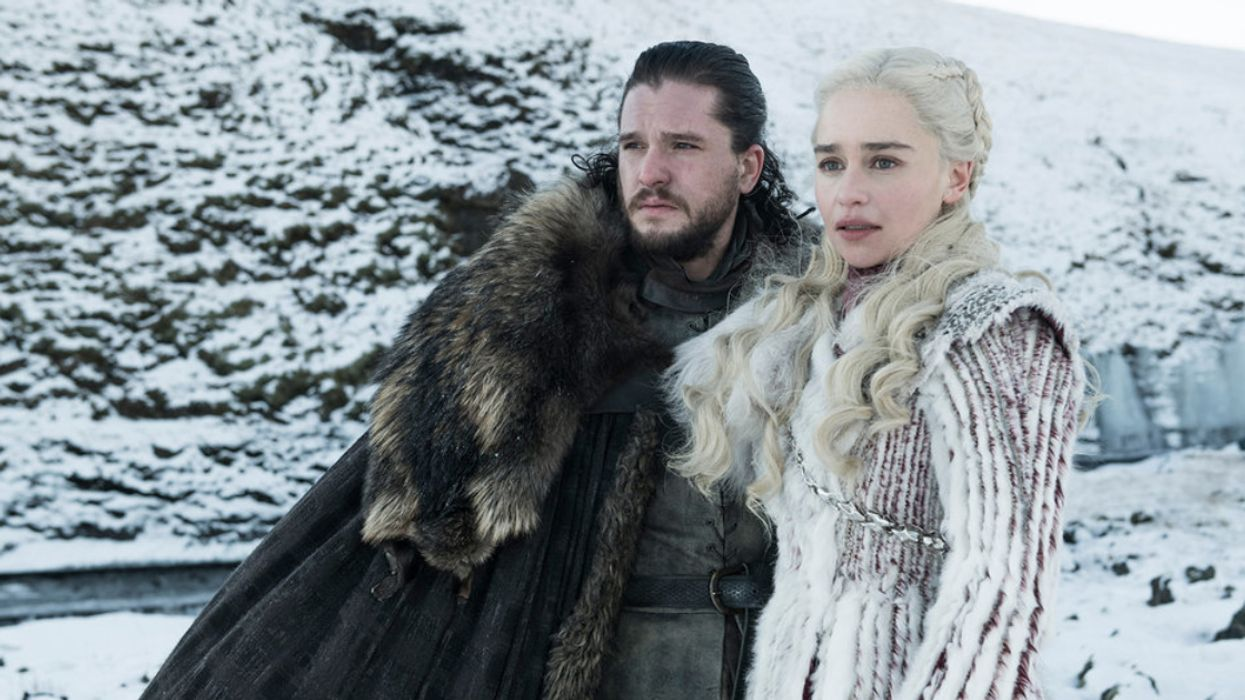 A Coffee Cup Was Accidentally Left In A Game Of Thrones Scene And Fans Are Losing It