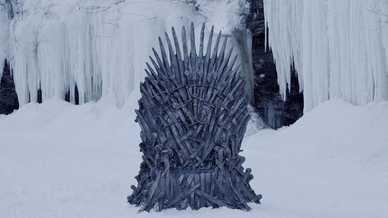 """Couple Finds The Iron Throne From """"Game Of Thrones"""" Hidden In Canada"""