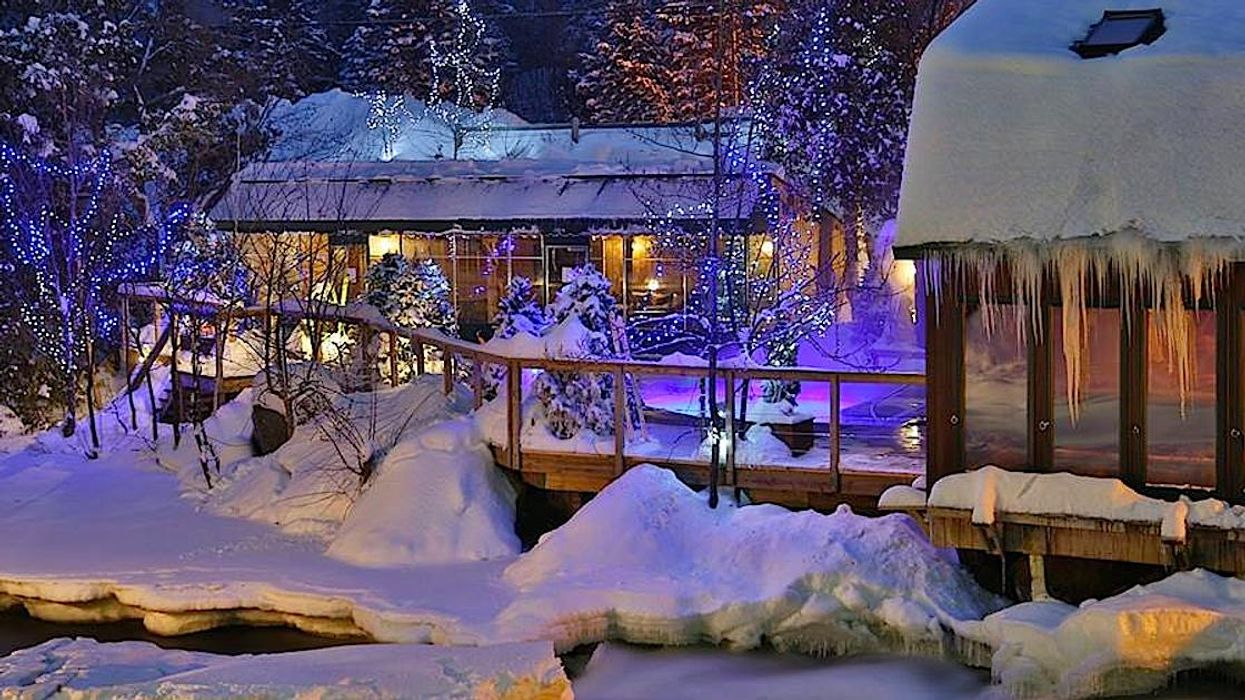 This Winter Spa Just Outside Of Montreal Is The Most Enchanting Place You Can Go