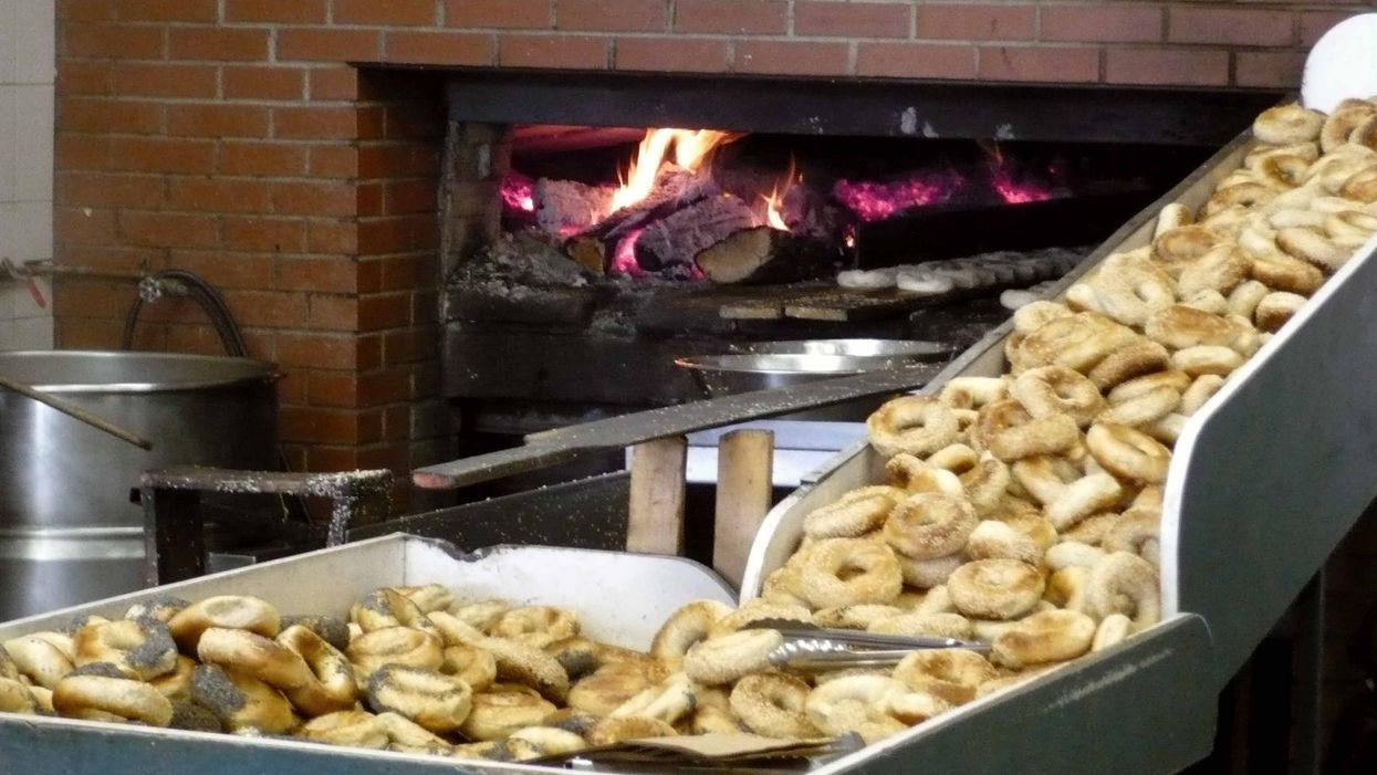 First Ever Montreal-Style Bagels Shop Opened In Scotland