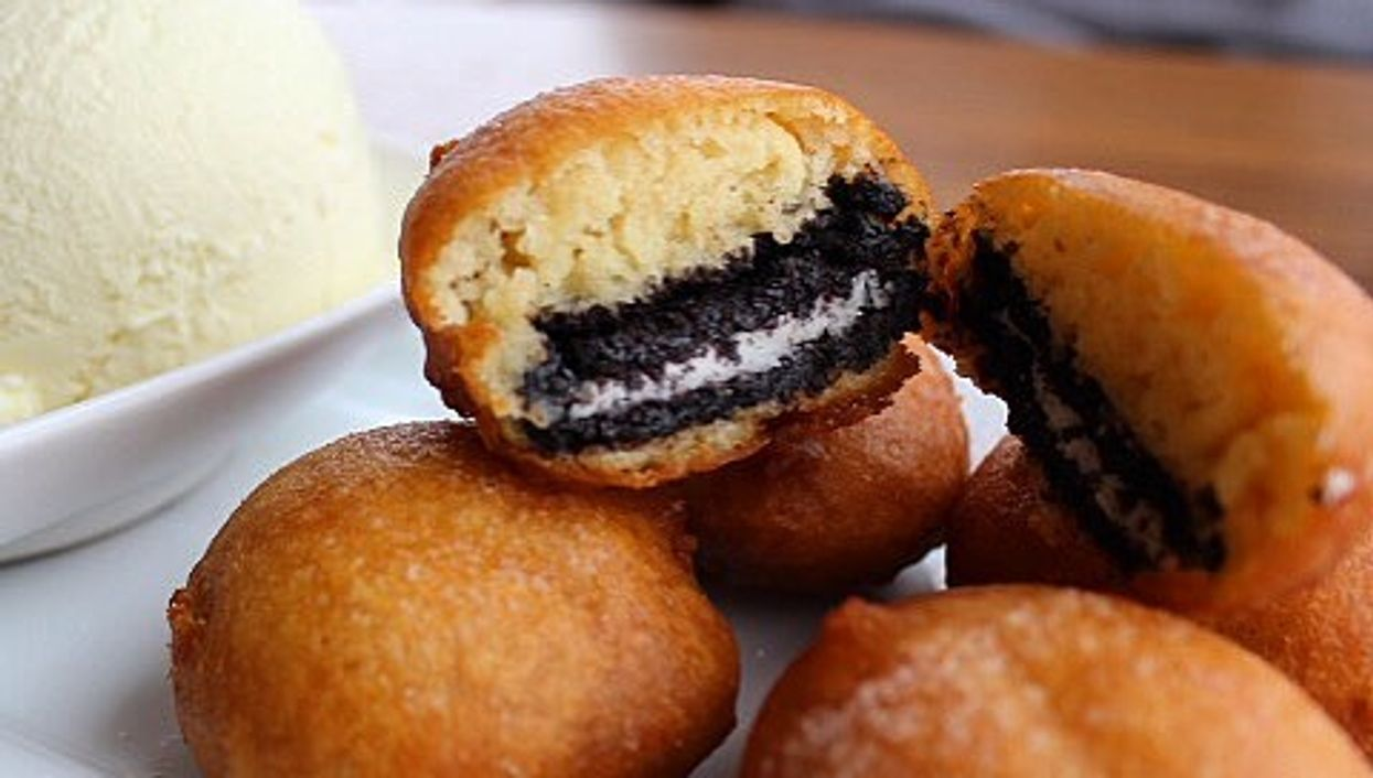 """You Can Now Get """"Fried Oreos"""" In Montreal"""