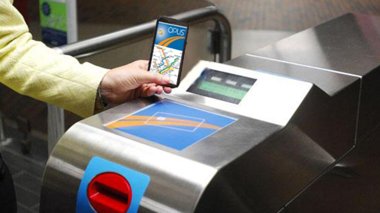 You'll Soon Be Able To Pay For The Bus And Metro With Your Phone In Montreal