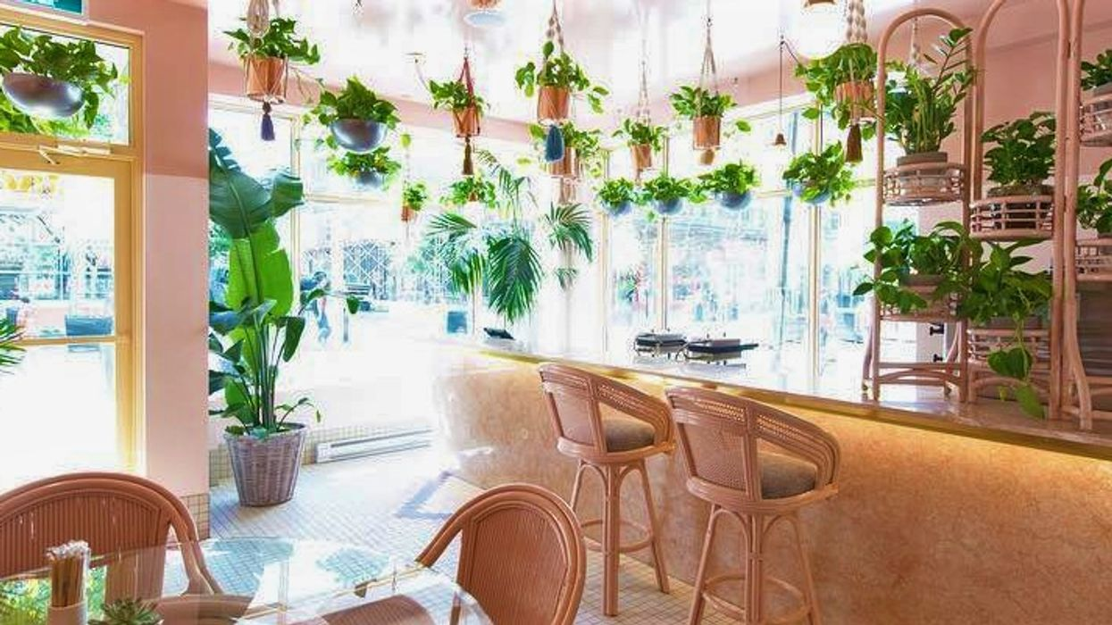 "Montreal Opens All-New ""Hawaiian Themed"" Restaurant On Saint-Catherine Street"