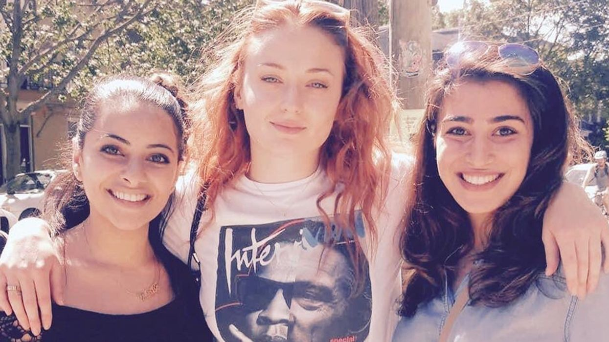 Sophie Turner Spotted Montreal Posing For Photos With Every Fan She Meets