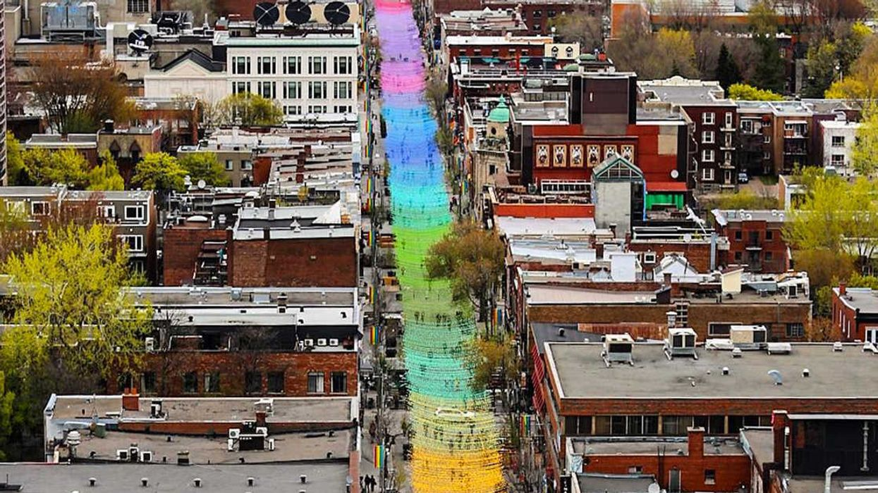 """Montreal's New 1 KM """"Rainbow Balls"""" On Sainte-Catherine Street Is Something You Have To Walk Under ASAP (20 Photos)"""