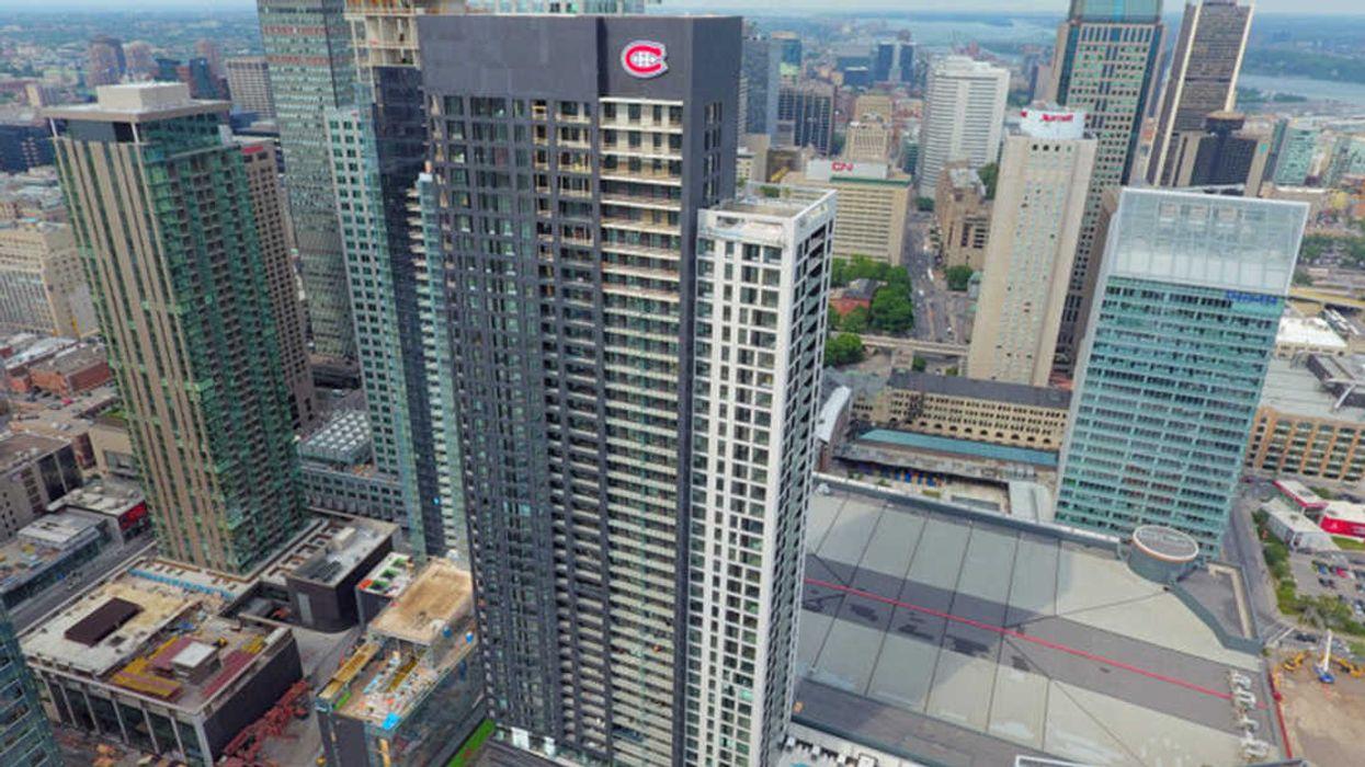 "A Rare Look Inside Downtown Montreal's ""Tour Des Canadiens"" Million Dollar Luxury Condos (20 Photos)"