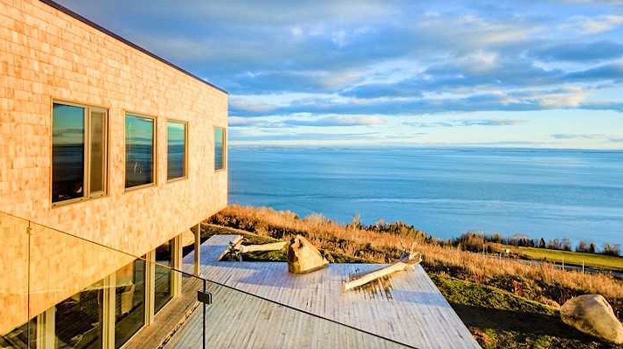 12 Waterfront Cottages You Can Rent For Super Cheap in Quebec