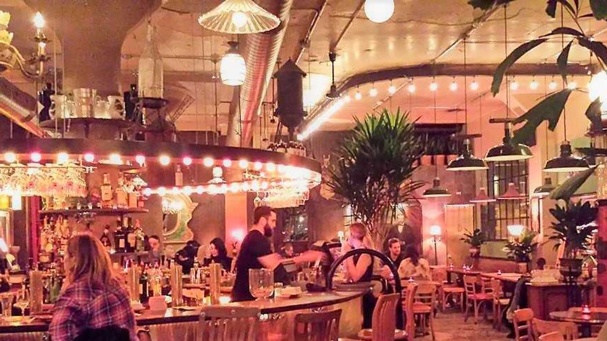 This All-New Cafe-Bar In Montreal Just Opened And It's LIT (23 Photos)