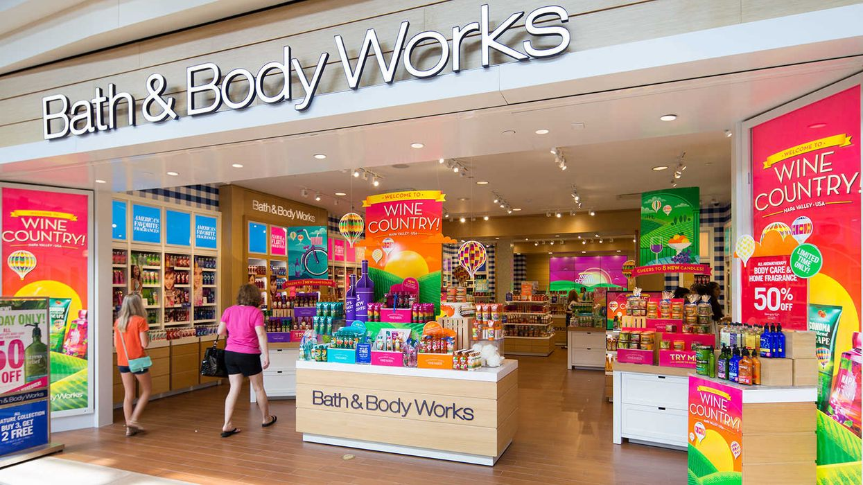 """11 Things Every """"Good Boyfriend"""" Needs To Know About Bath & Body Works"""