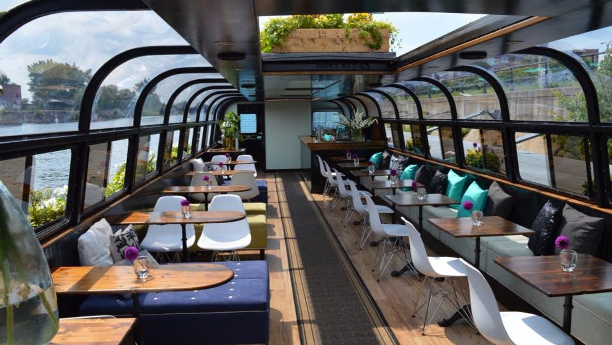 """Montreal's First-Ever """"Floating Boat Café"""" You Gotta See To Believe"""
