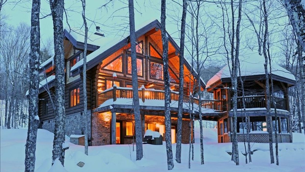 5 Winter Cottages To Rent With Friends Close To Montreal
