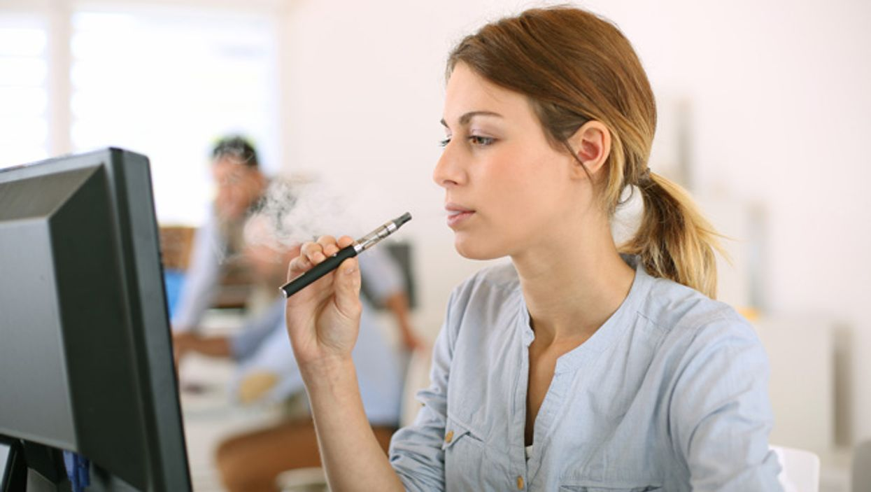 Quebec College Bans Students From Smoking E-Cigarettes On Campus