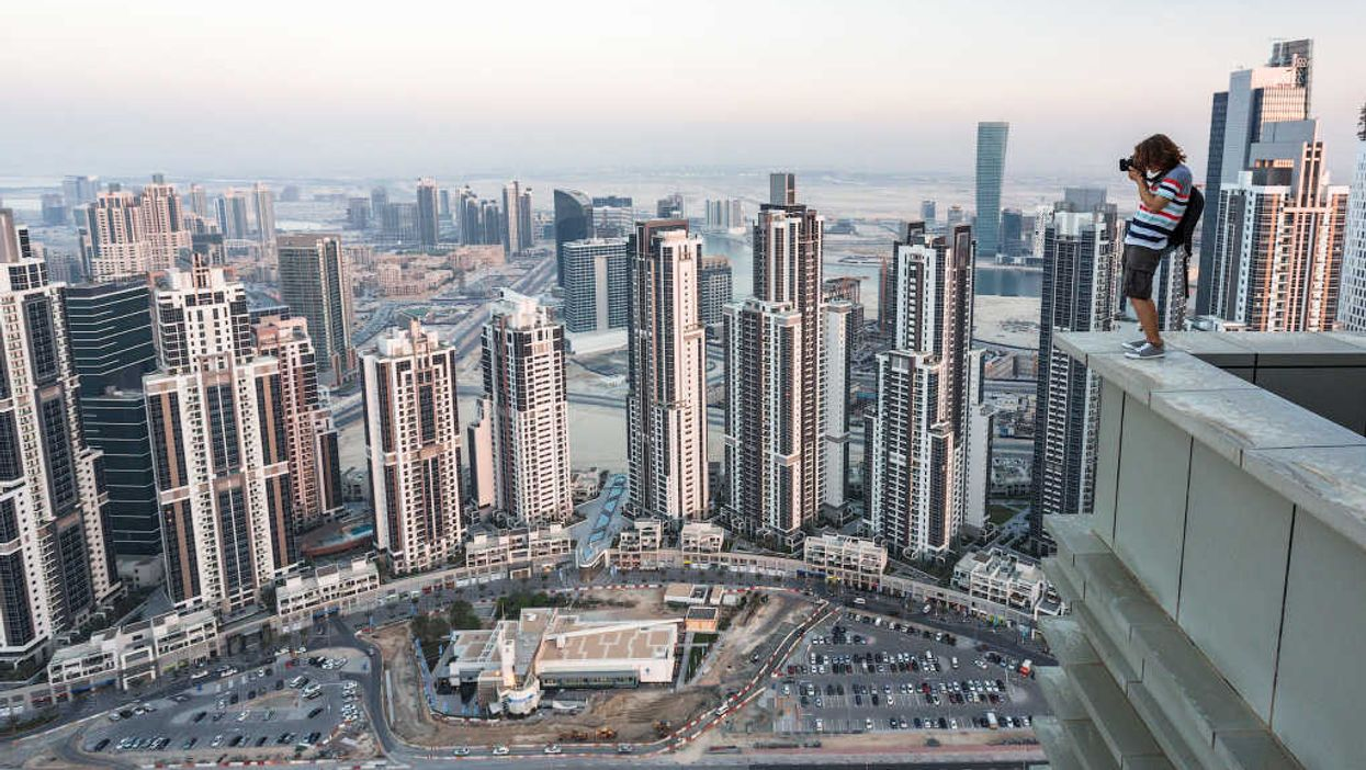 Pictures Of Dubai From Atop The World
