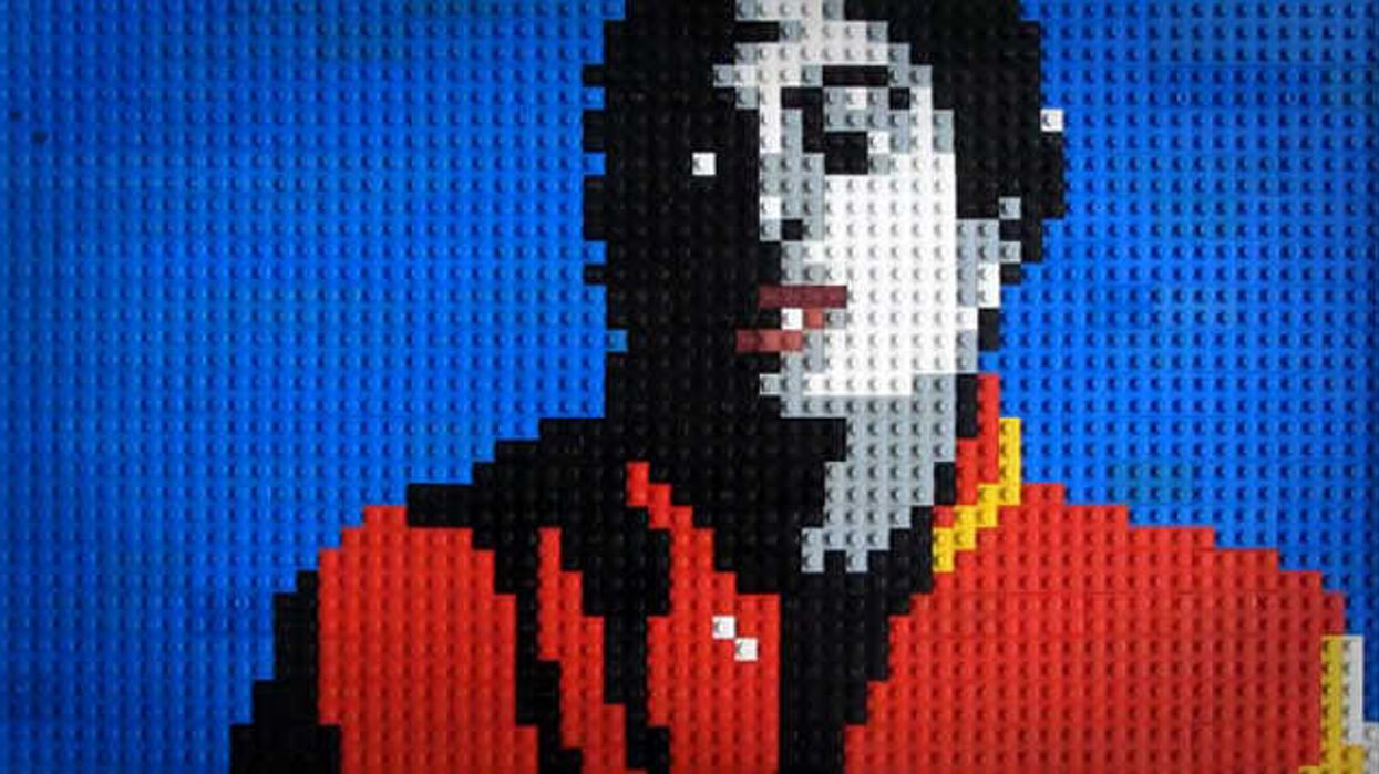 Michael Jackson`s 'Thriller' Redone With LEGO