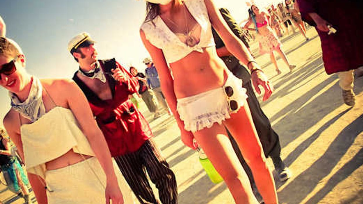 20 'Burning Man' Pictures By Trey Ratcliff That Enduce Strong Euphoric Emotions