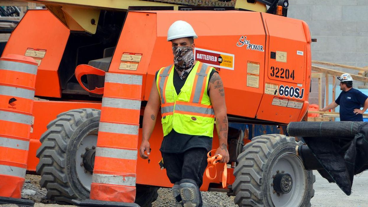 Quebec Mask Rules Change For Workers Outside In Extreme Heat