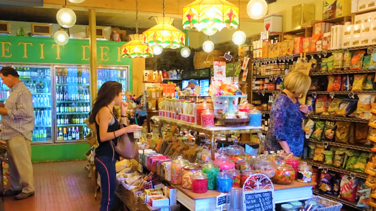 """Montreal's Hidden """"Candy Store"""" You Absolutely Must Check Out If You Have A Sweet Tooth"""