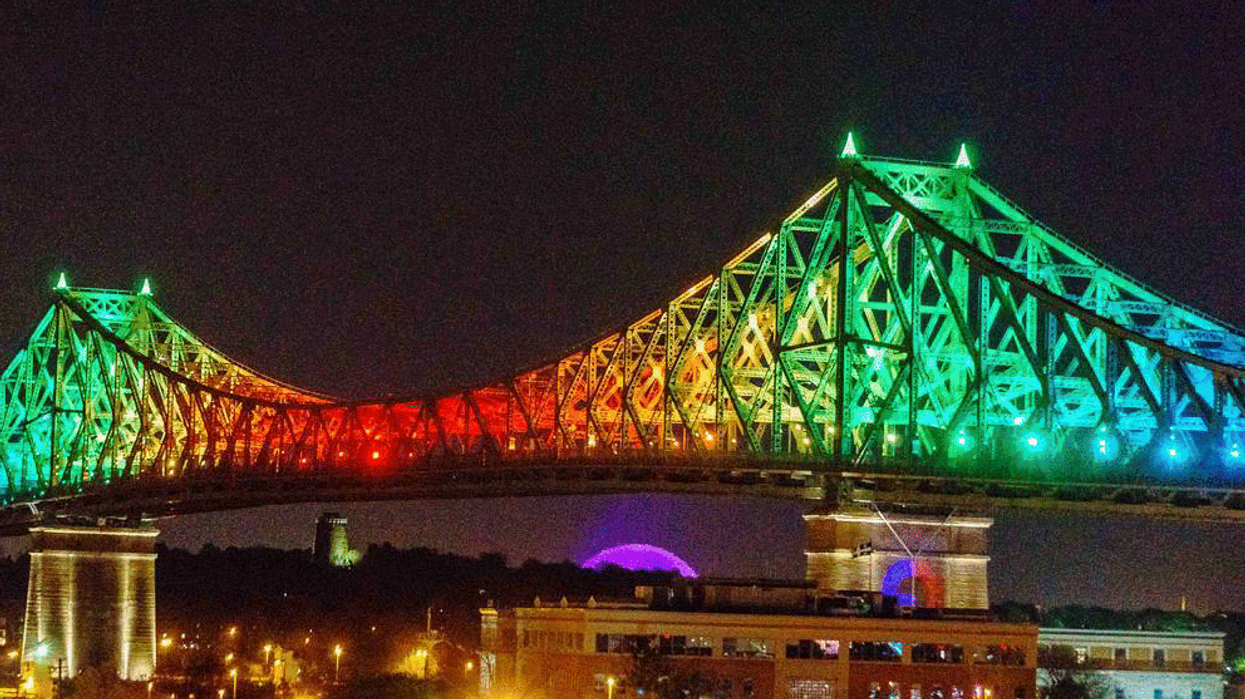 Montreal Lit Up The Jacques Cartier Bridge Like A Rainbow For The City's 375th Birthday (25 Photos)