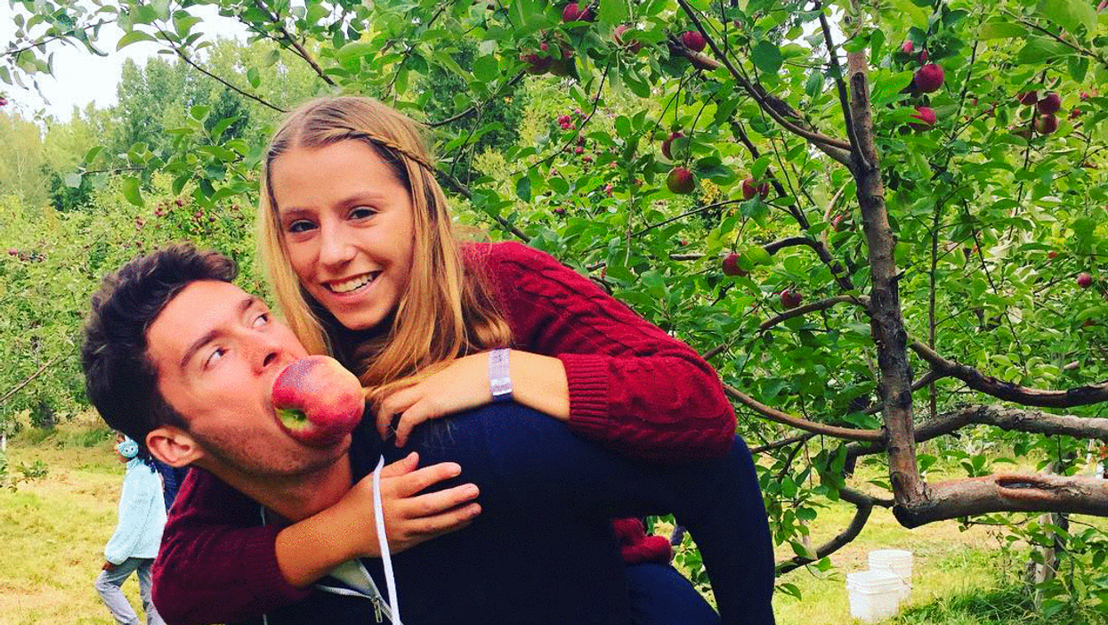 The 16 Instagram Pictures You Are Guaranteed To See Girls In Montreal Posting During The Fall