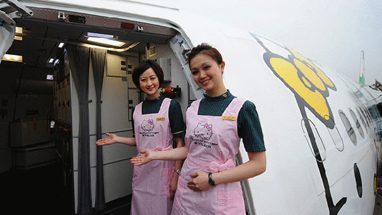 """""""Hello Kitty"""" Is Now An International Air Line"""