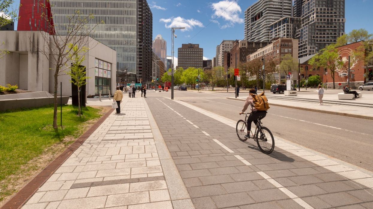 Montreal Is Creating 327 km Of Bike & Pedestrian Paths So You Can Still Enjoy The Summer
