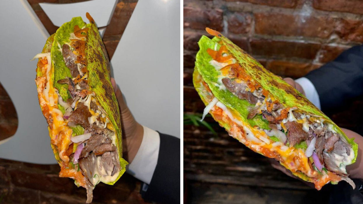 This Montreal Restaurant Has MONSTROUS Shawarma Tacos You'll Want To Hold With Both Hands
